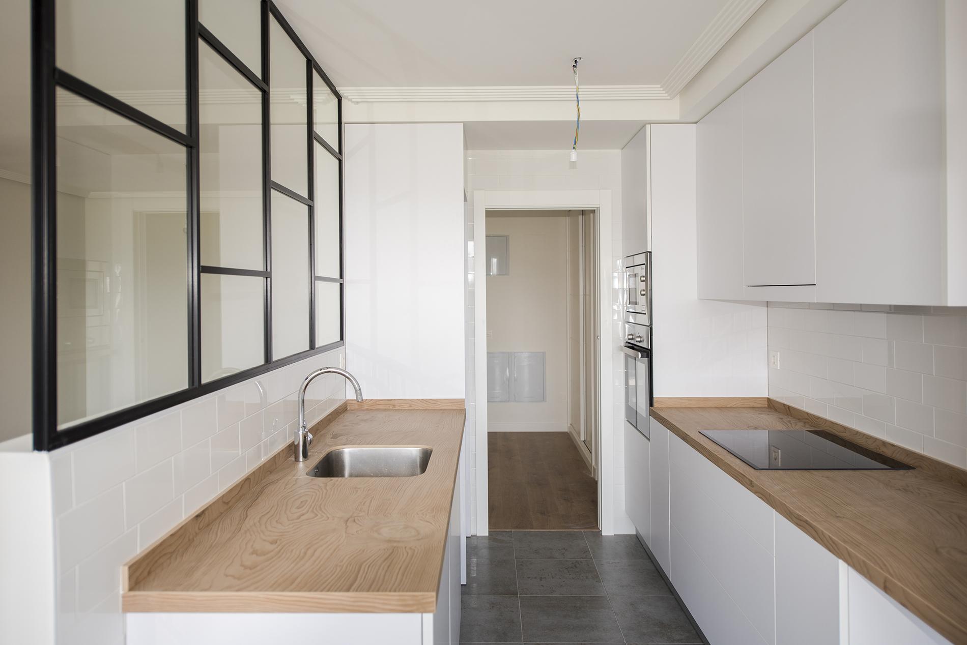 Edificio Soleo cocina abierta