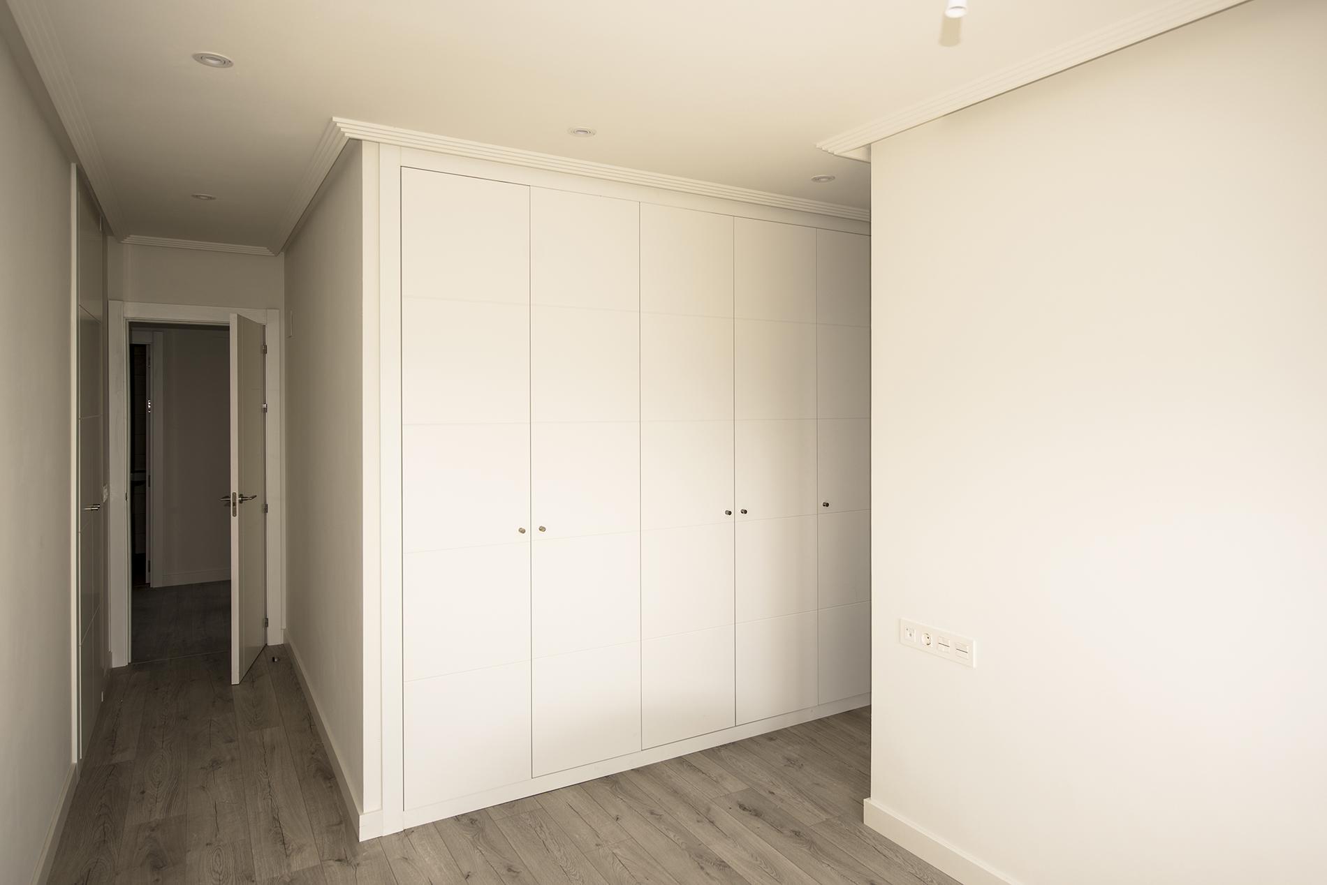 Edificio Soleo habitación armarios